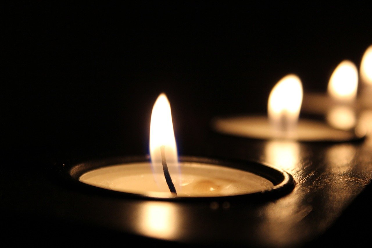Candle Candlelight Celebration  - Pexels / Pixabay